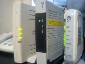 左から、VDSLモデム、CTU、VoIPアダプタ